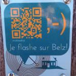 Des petites plaques permanentes permettent d'ajouter les QR codes